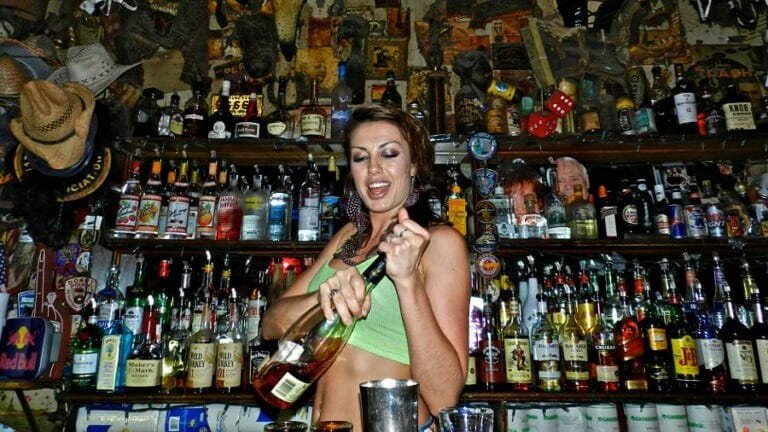 At Riverside Bartending School we give our students all the tools they need to become top earning bartenders